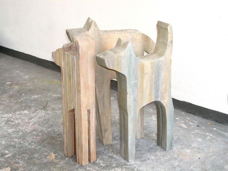 Boxer, Wachhund, Kläffer 1993-2001 – je 5 ExemplareSchalungsbretter verleimt, bemalt – 84/77/90 x 29/90/50 x 12 cm